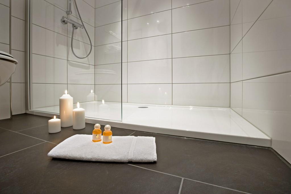 wanne raus dusche rein zitzelsberger gmbh. Black Bedroom Furniture Sets. Home Design Ideas