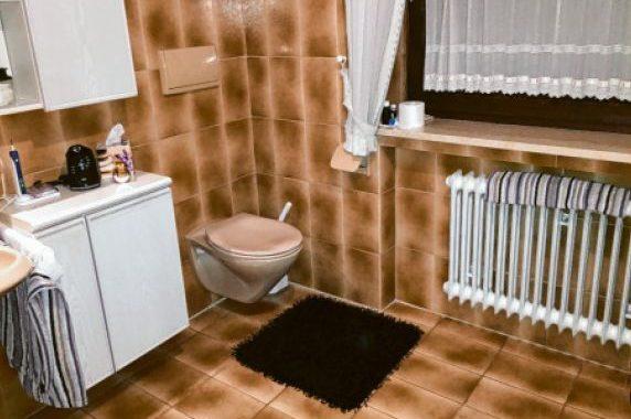 keine Barrierefreiheit in diesem Badezimmer